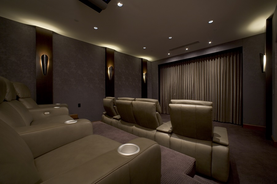 How To Build A Luxury Home Theater System